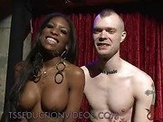 Black tranny dancer fucks white ass