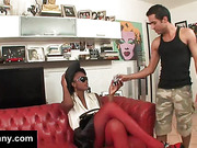 Guy sucking black tranny cock