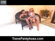 Michele tranny pantyhosefucked on video