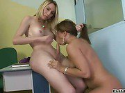 blonde shemale babe on a sweet chick