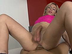 Superb shemale Patricia Souza asshole banged real hard