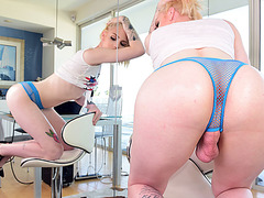 Blonde fair skinned TS babe Annabelle Lane anal and facial