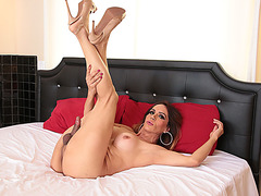 Trans babe Sofia gets her tight ass banged and awarded facial