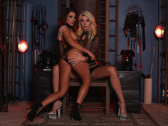 Temptress Transbabe Aubrey Kate fucks hard with squirt queen Adriana