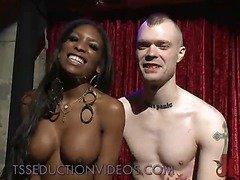 Black tranny dancer fucks white ass