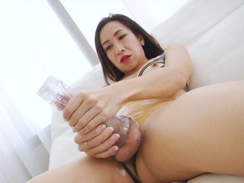 Girl Fucks Her Roommate