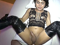 Tranny in tigh high boots and lingerie gets barebacked