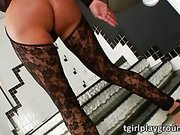 Brunette shemale Karen Rodrigues shows off big booty