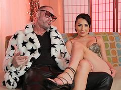 Glamorous T-girl Chanel Santini deepthroats Arclyte asshole