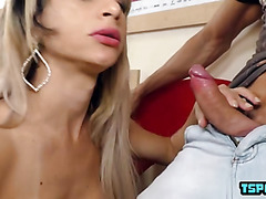 Hot shemale hardcore anal and creampie