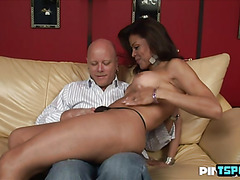 Hot shemale flip flop with cumshot