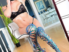 Big Tits Tbabe Domino Presley amazing bareback sex