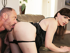 Hot Transbabe Natalie Mars  deepthroats her new boyfriend on the couch