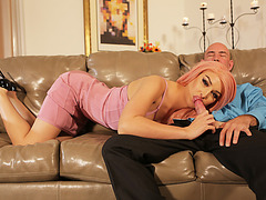 Big ass Tranny Chanel Santini spreads legs for hard anal missionary