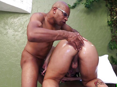 Cute tranny gets her bum fingered and pumped
