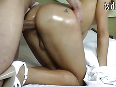 Sexy shemale Nicoly Dieckman assfucked
