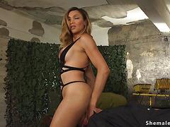 Huge dick tranny anal fucks war prisoner