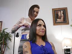 Hair dresser fucks shemale client