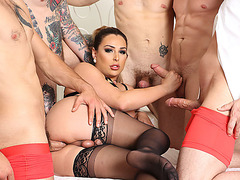 TBabe Chanel Santini gets fuck by those 5 big cocks