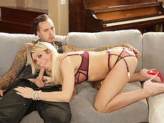 TS Aubrey Kate loves sucking and riding tattooed guy Ruckus dick in the couch