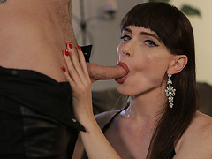 Gorgeous TS Natalie Mars kneels down sucks dudes cock
