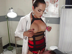 Shemale doctor in lingerie bangs patient