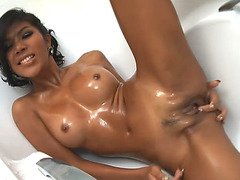 PostOp Ladyboy Odette Solo Action In Bathtub