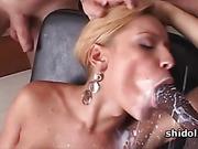 Tgirl Aline Santos doing two cocks in gangbang