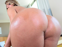 Stunning shemale Camyle Victoria enjoys her awesome solo