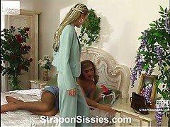 Stephana&Gilbert strapon sissysex action