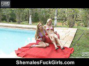Thais&Julia shemale and pussygirl on video