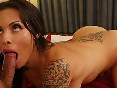 Sultry TS Foxxy takes control in a remarkable butt sex