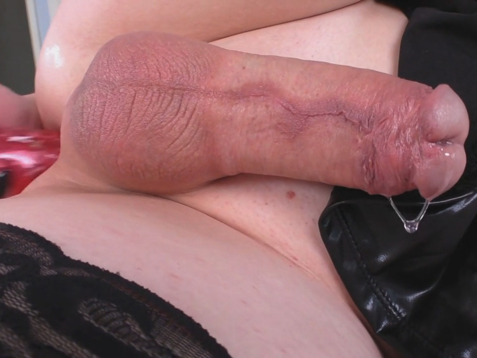 Tranny self footjob and ass toying natalie mars