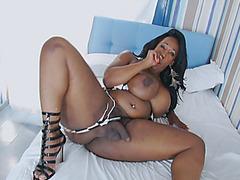 Massive booty ebony tranny jerking off her hard cock
