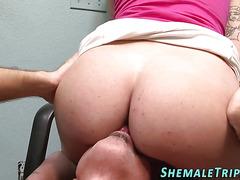 shemales butt eaten out