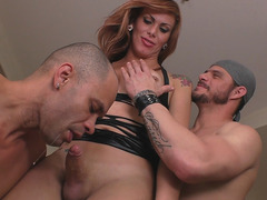 Latin Tgirl Kananda Hickman Enjoys A 3some
