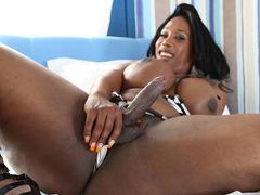 Ebony Jackeline Boing Boing masturbating