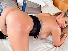 Plump assed transgirl Camilla Carvalho gets a deep anal fuck